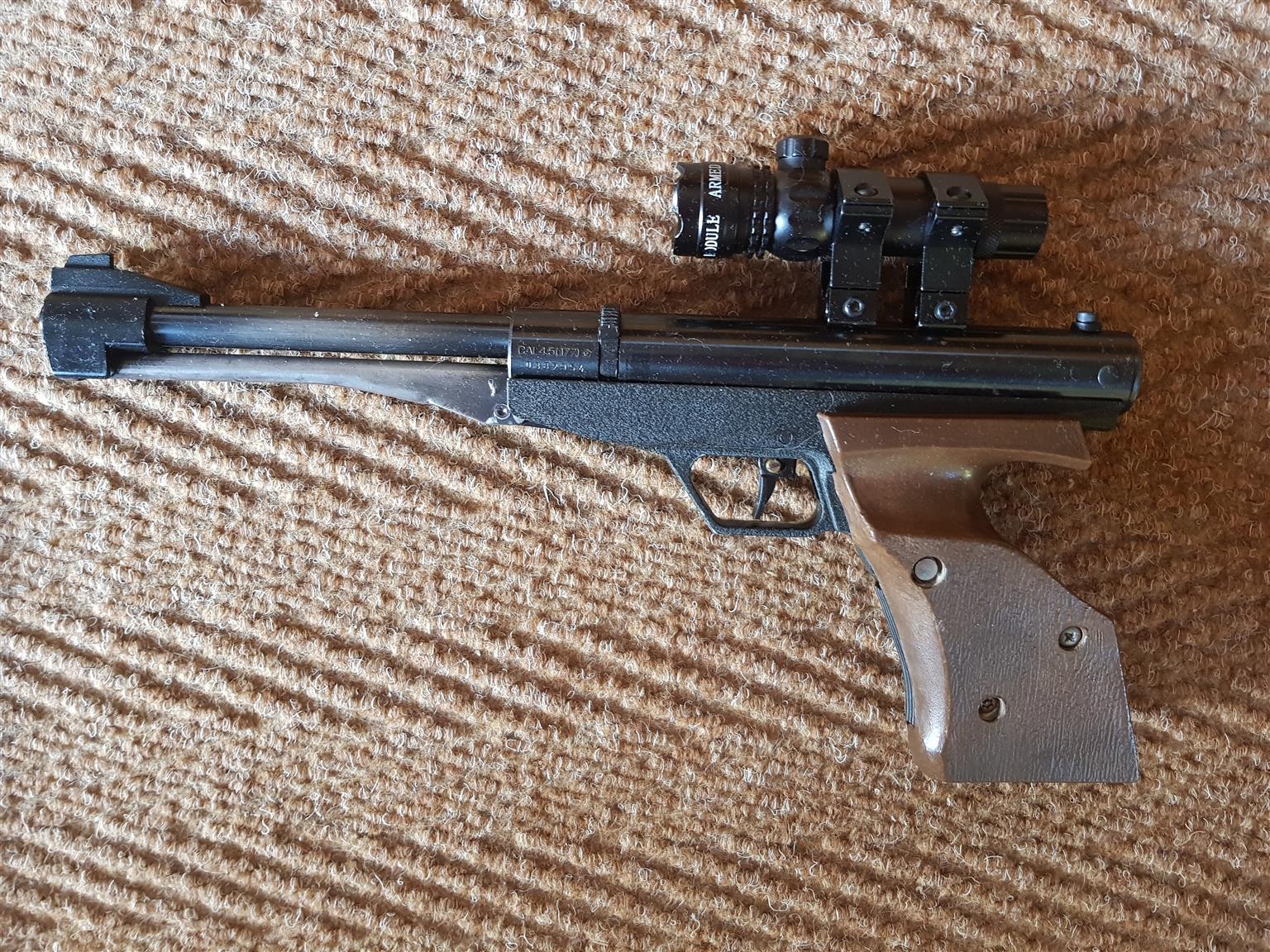 GAMO .177 calibre air gun with high grade aluminium laser scope