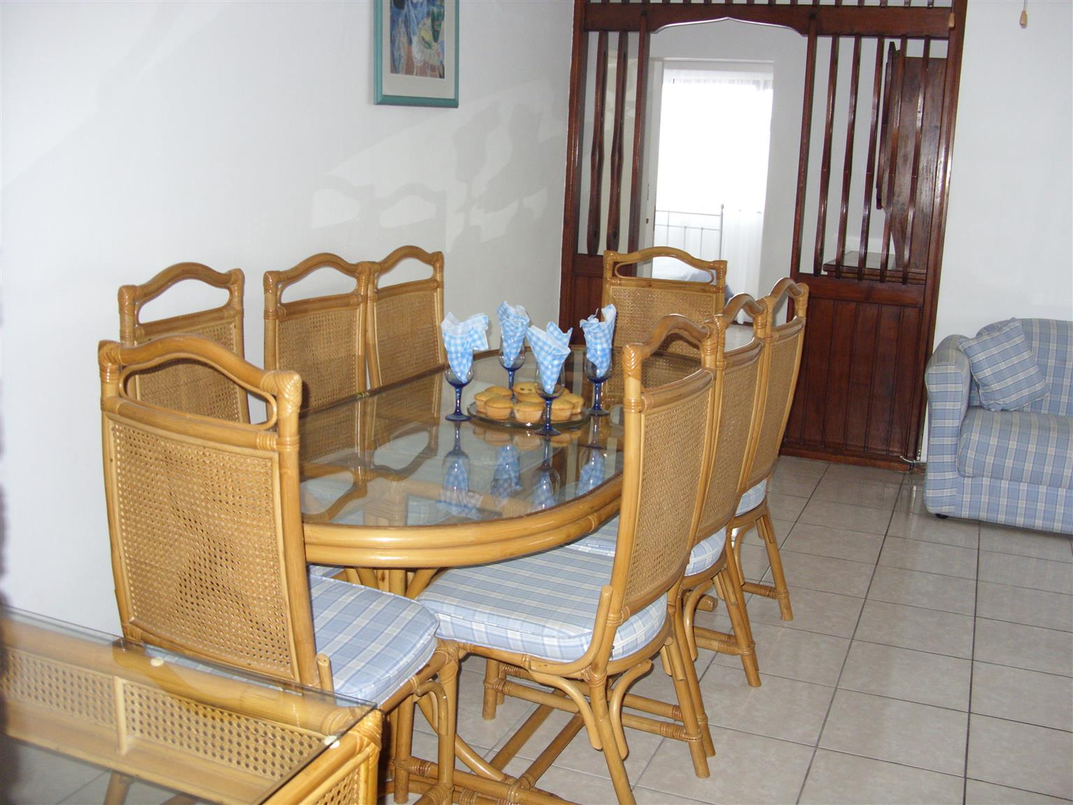 3 BEDROOM 2 BATHROOM FURNISHED FLAT R6500 PM UVONGO SHELLY BEACH ST MICHAELS-ON-SEA AVAILABLE IMMEDIATELY
