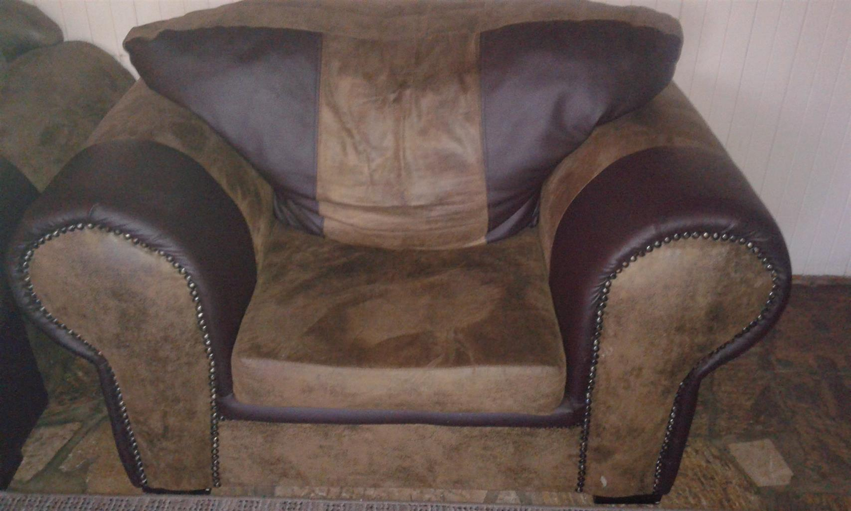 Living room Furniture to sell