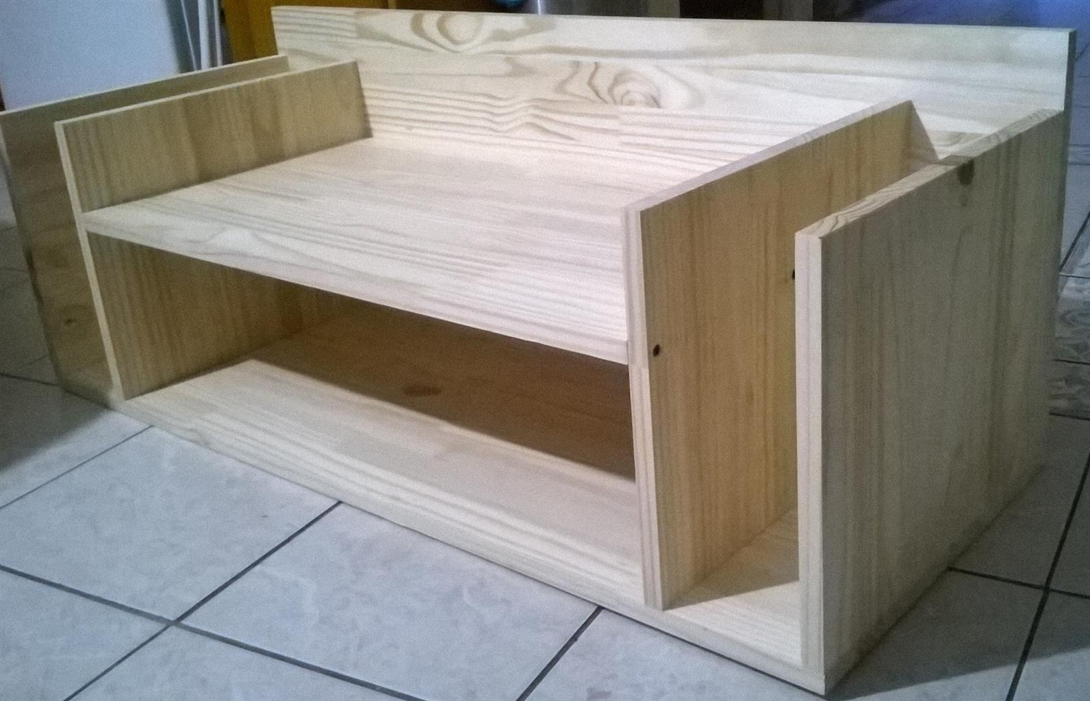 Laminated Pine TV Stand / Book shelve