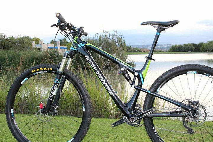 Carbon 29er Rocky mountain mtb for sale