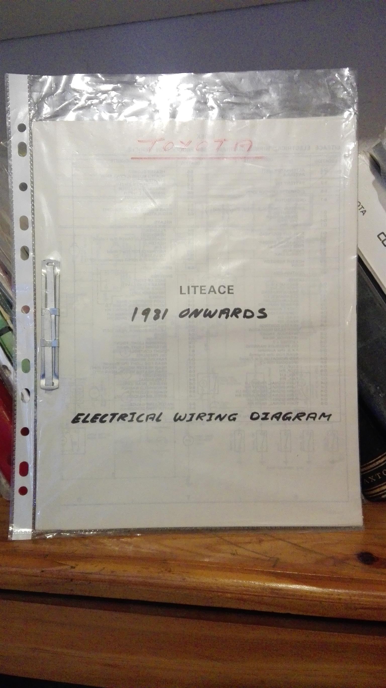 lite ace 1981 82 electrical wiring diagram junk mail. Black Bedroom Furniture Sets. Home Design Ideas