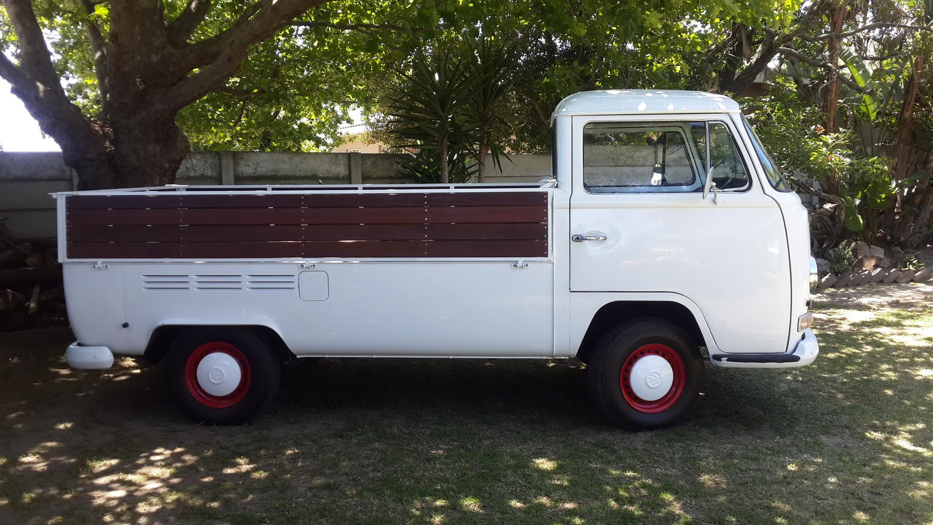 1971 VW Kombi Bakkie 1600 Twin Port Low Light