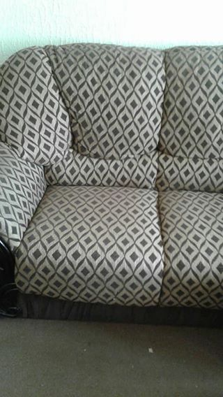Lounge suite very good condition