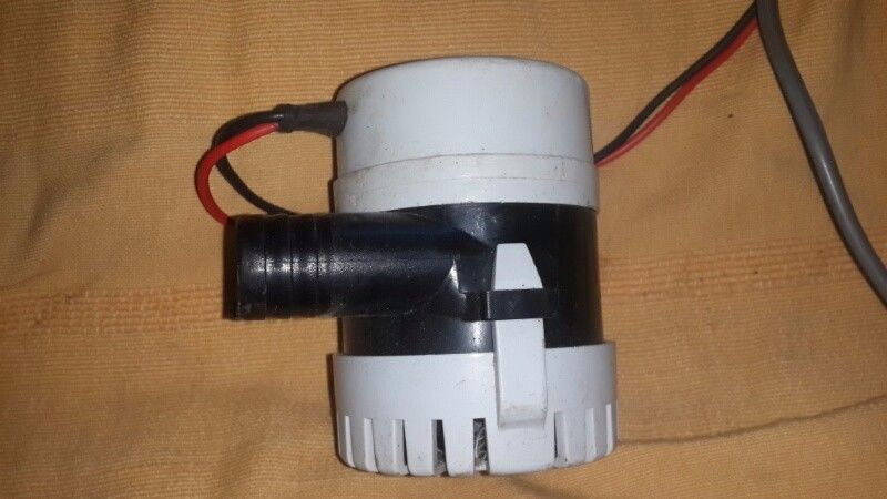 Bilge pump 12 volts Lalizas model 700 GPH