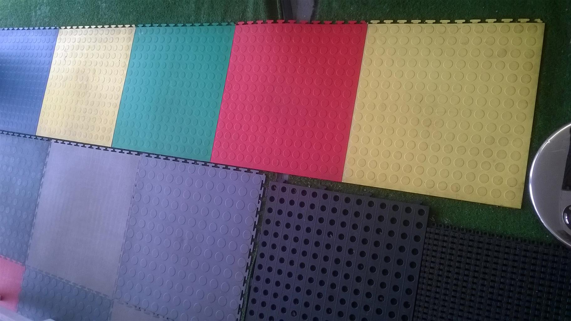 FLOORING - NEW PLASTIC TILES (PER SQUARE METER) FOR SALE AT WHOLESALE PRICES