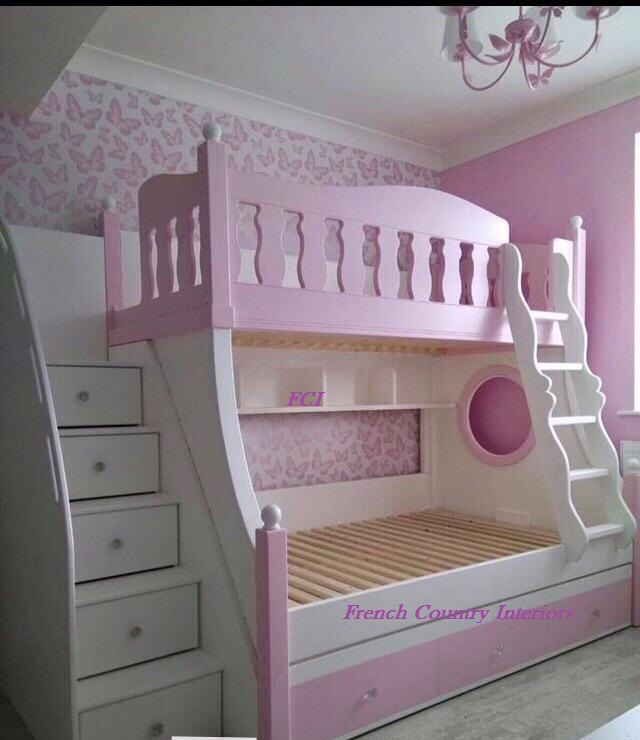 Stunning tri bunk bed