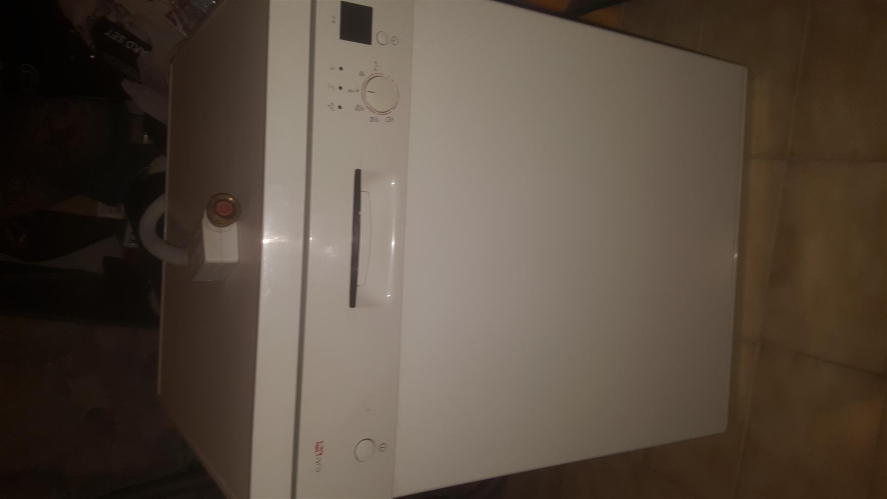 Bosh D/w for sale is in excellent condition