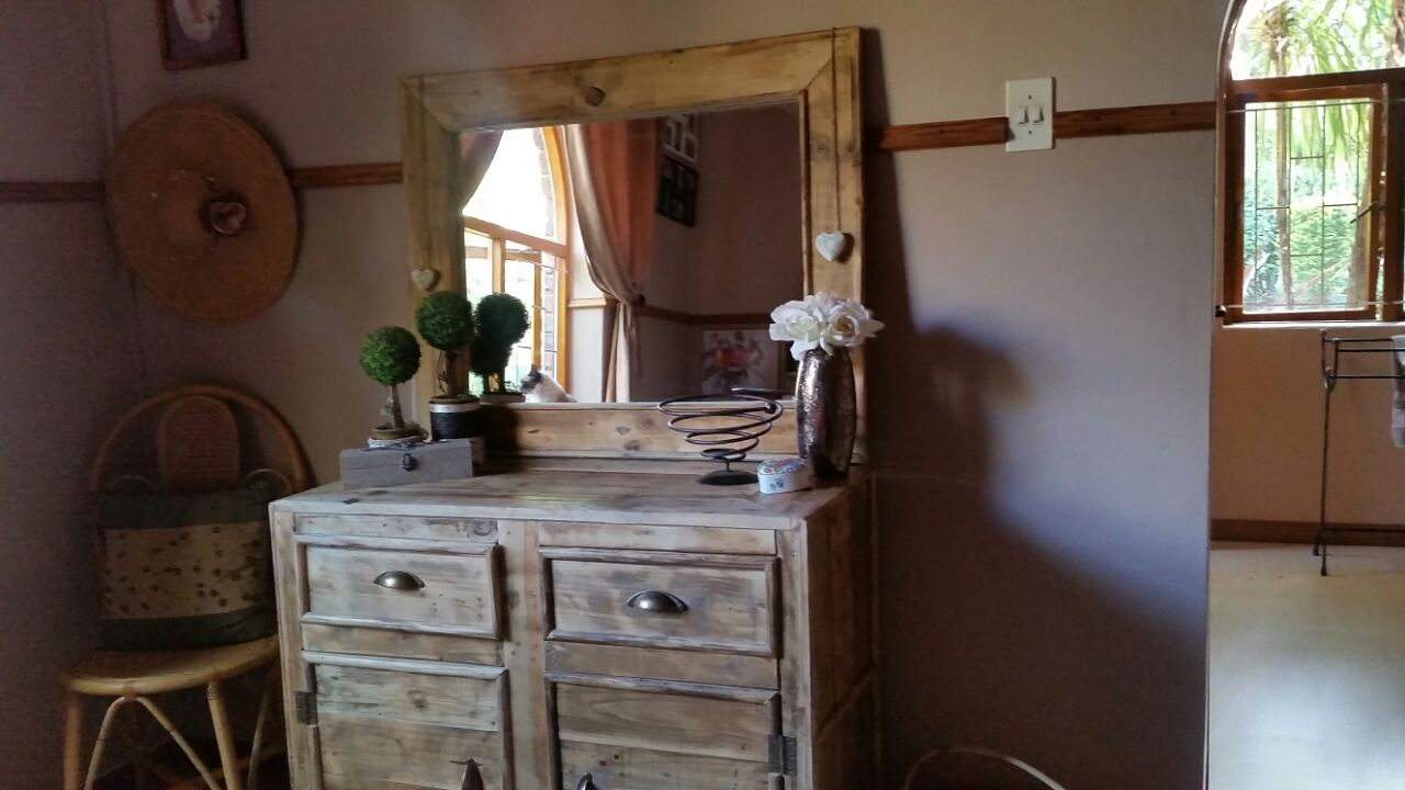 Stunning Home Decor from Recycled Wood