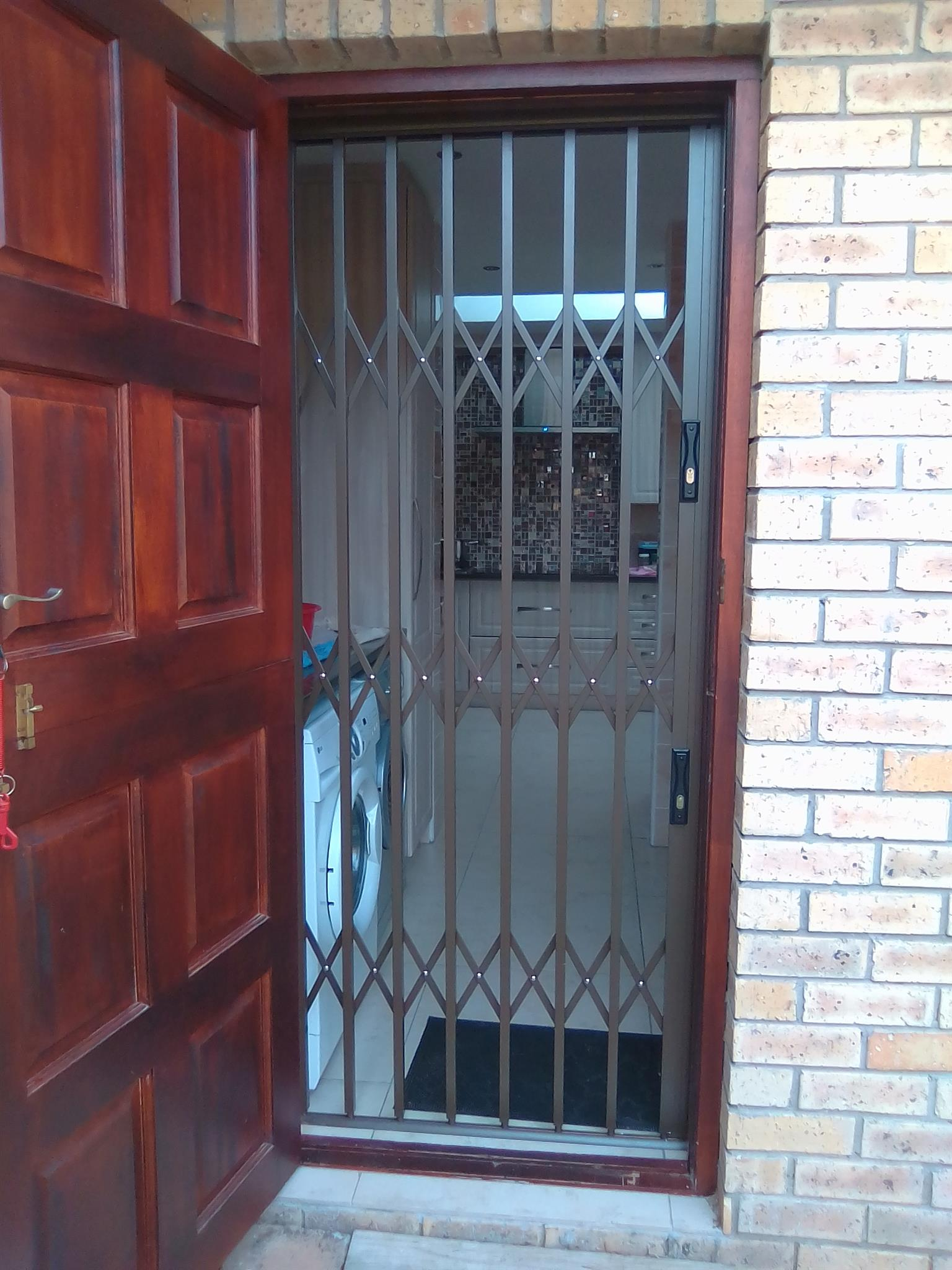 Secure your home,Town House,Flats,Cottages,garages,Businesses,any other space secured