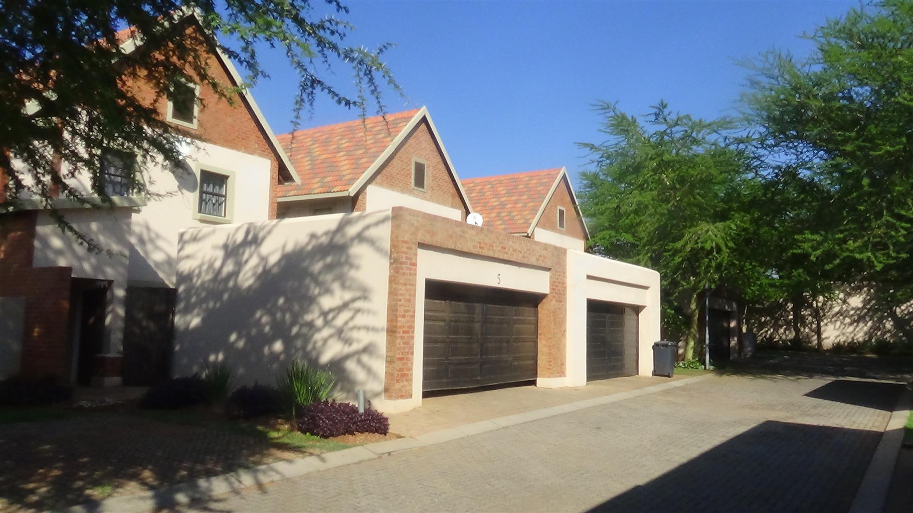 Stunning 3 Bedroom Duplex in Exclusive Estate - R 1 440 000