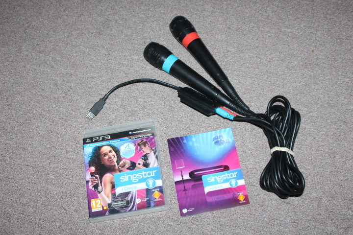 PS3 Singstar + Microphones
