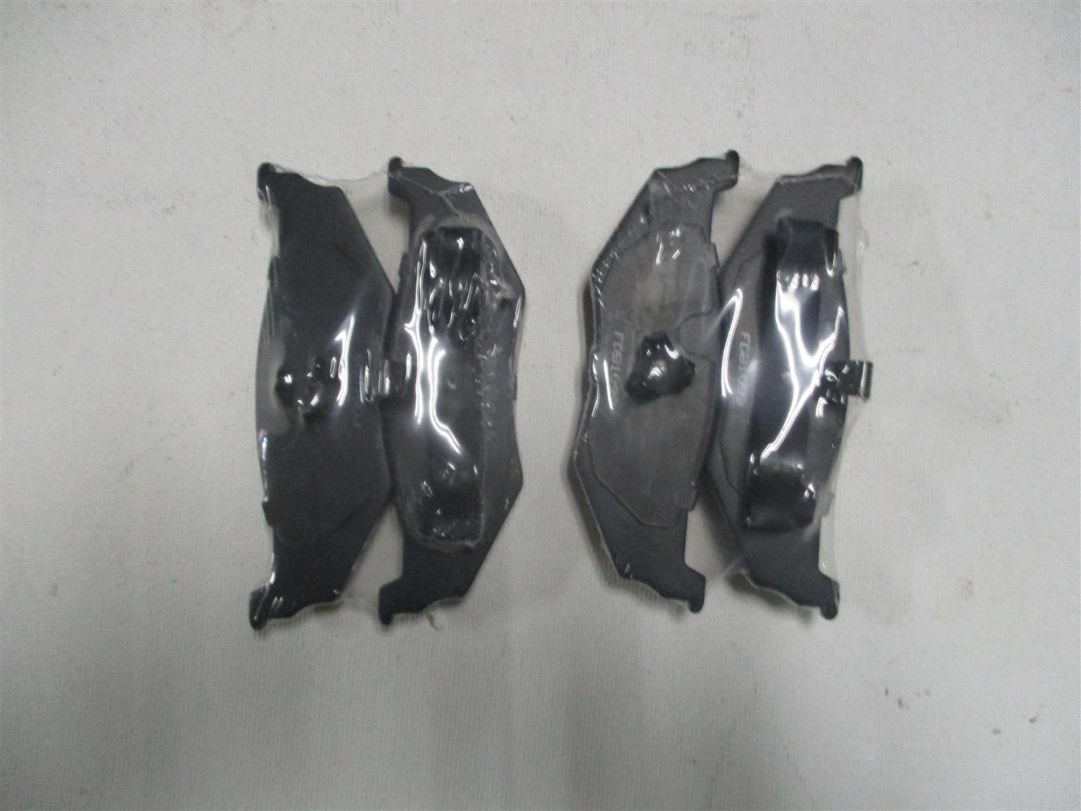 BRAKE PADS FOR CHRYSLER PT CRUISER (NEW)