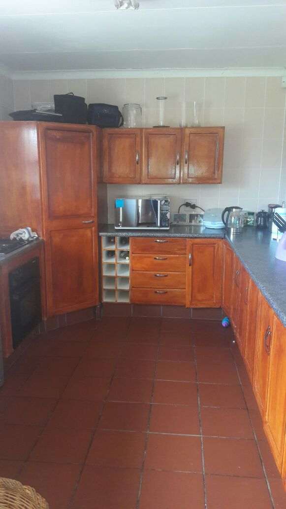 Beautiful 3bedroom house with Flat