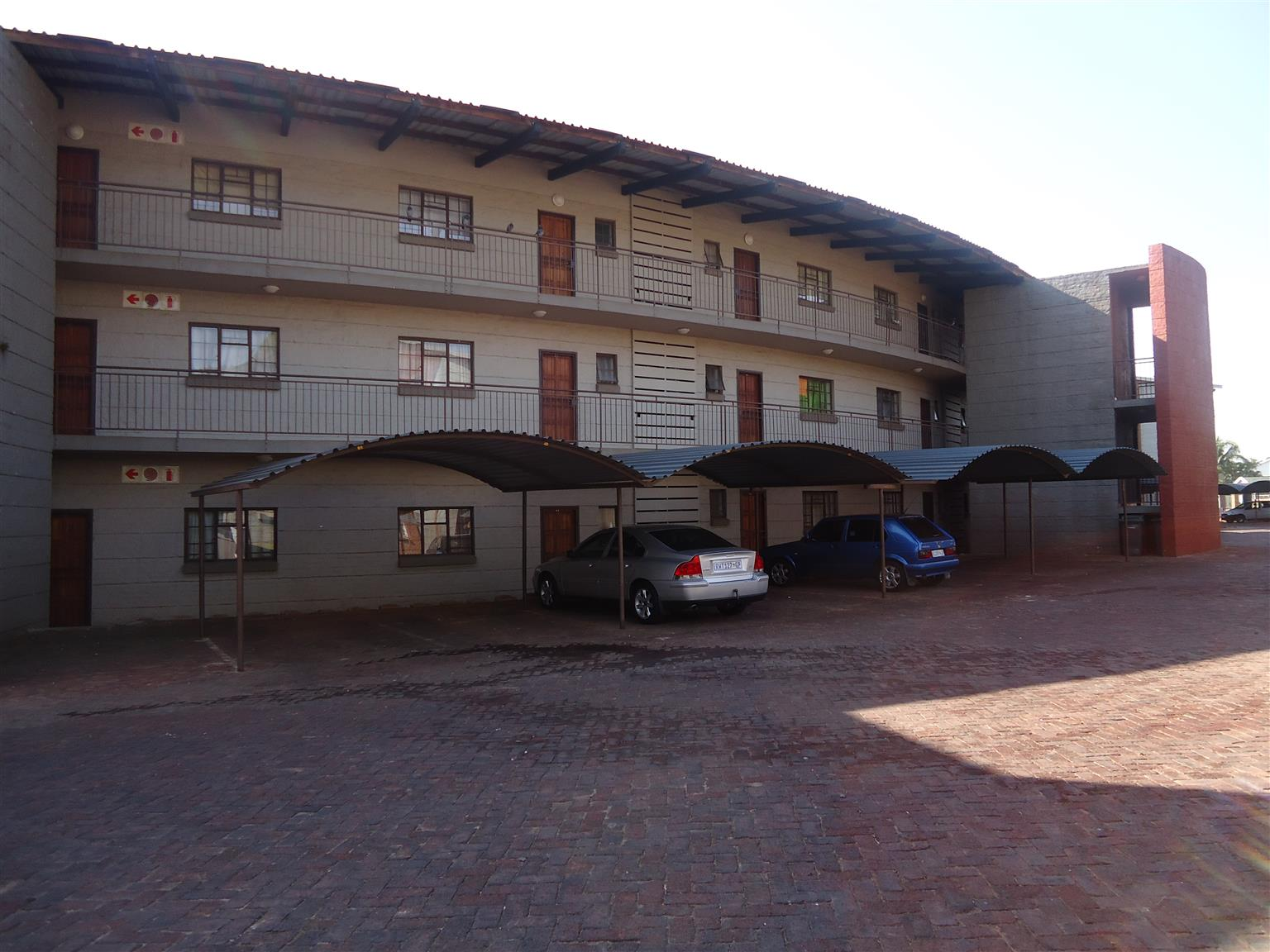 Spacious 1 Bedroom unit to rent in Pretoria North.