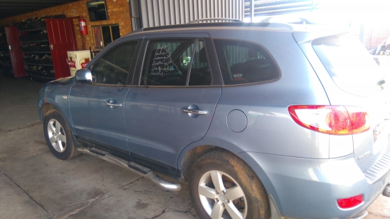 Santa FE 2.2 Crdi manual 2007 now for stripping of parts.