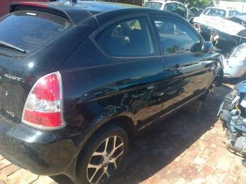 Hyundai Accent cvvt 1.6 2 door now for stripping.