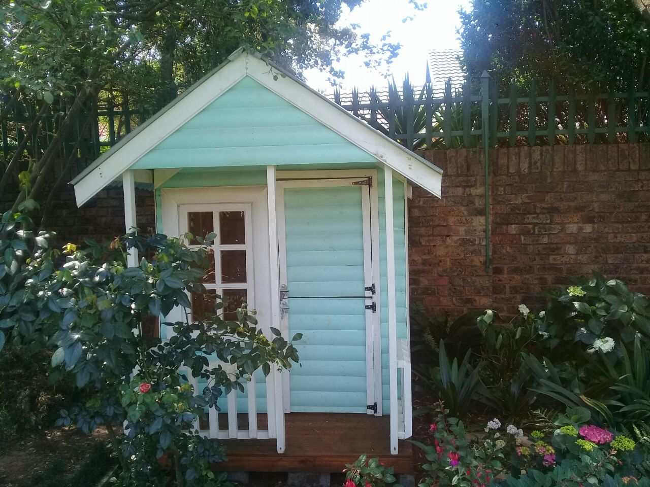 Cliffy wendy house pty