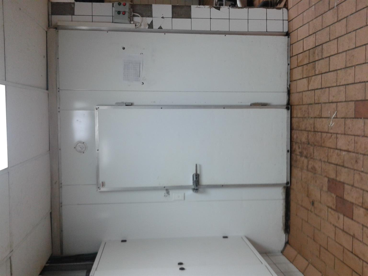 Urgent cold room for sale