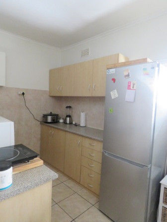 Great 2 bdr Apartment with 2 off-street parkings to rent in Green Point