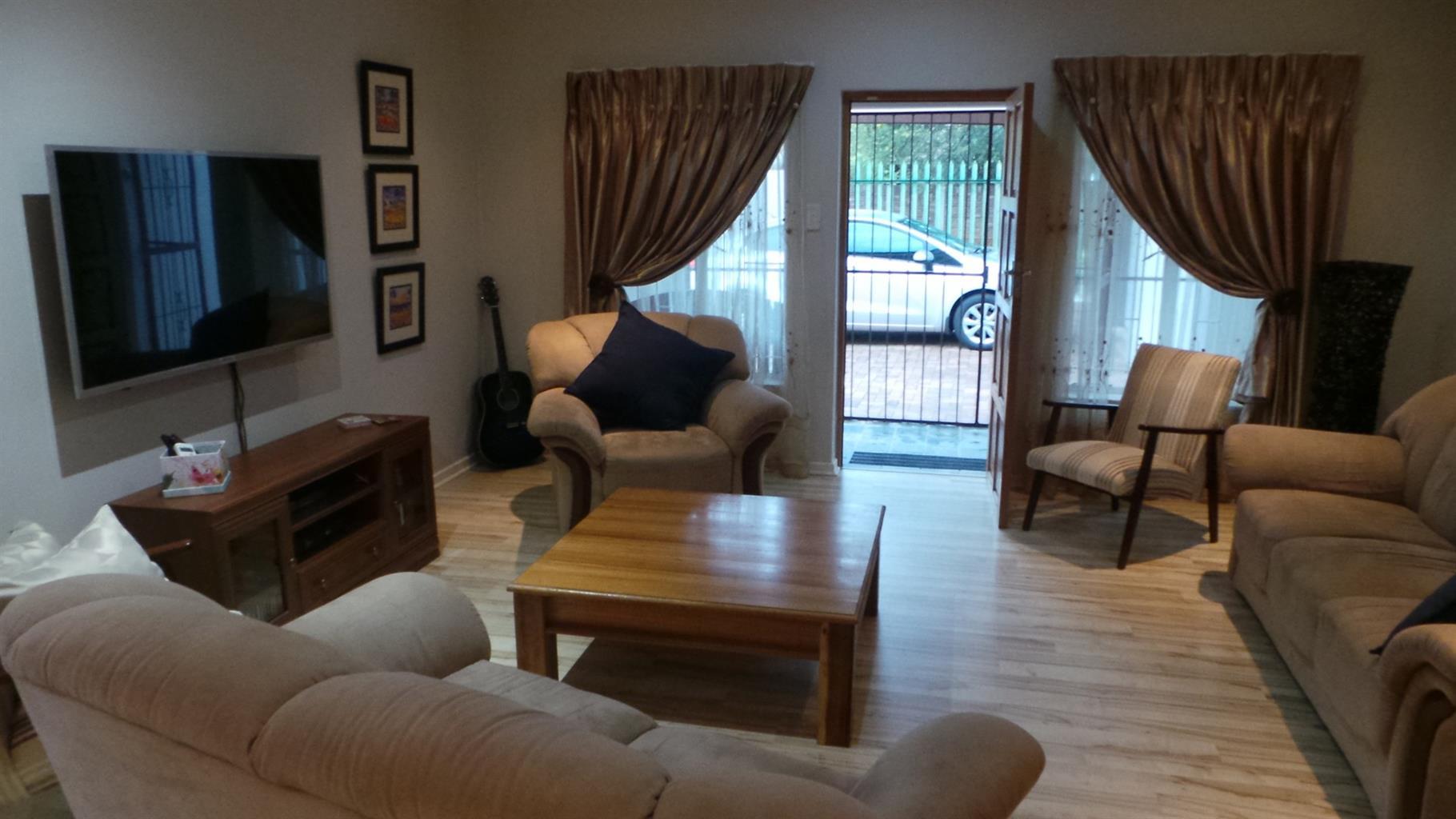 Modern and neat 3 bedroom home - Stilfontein