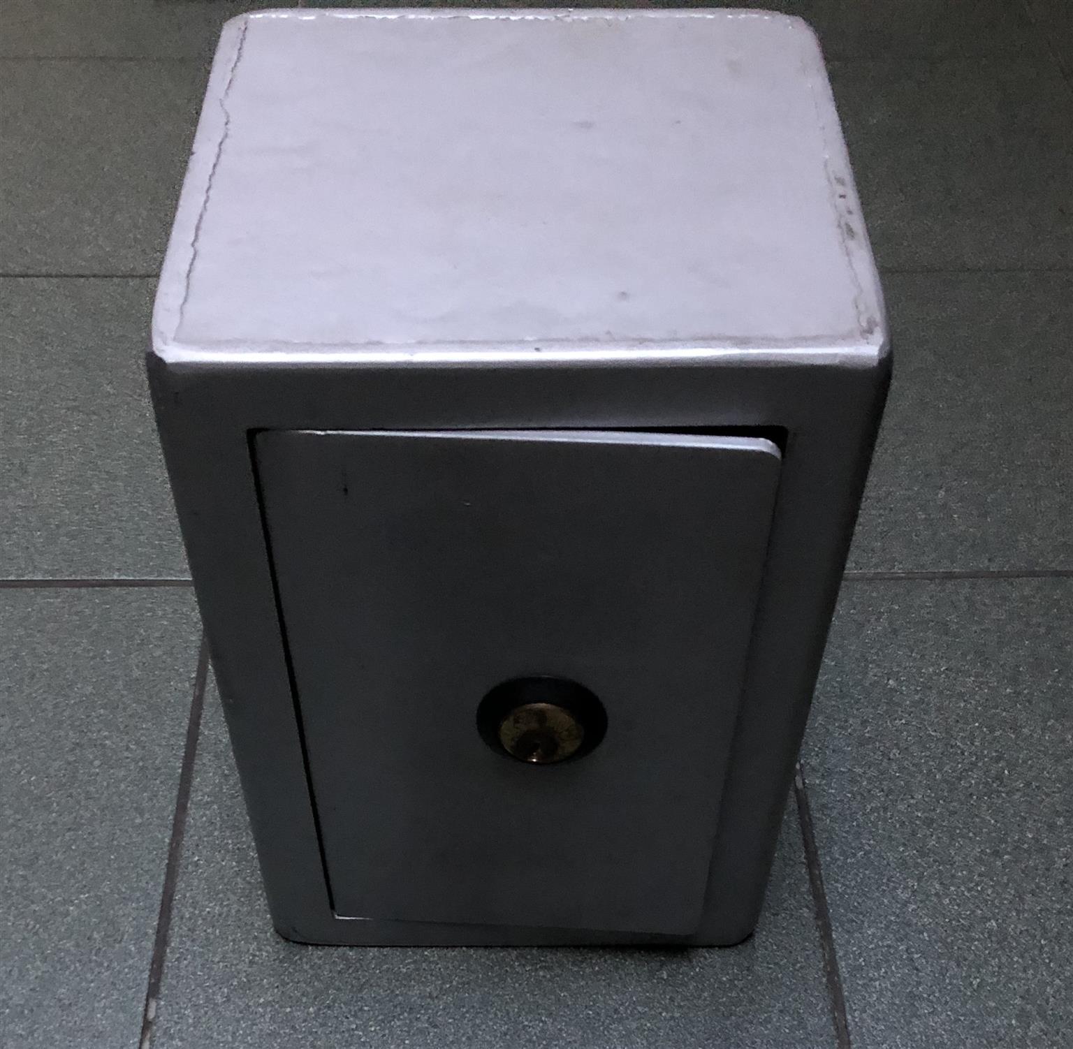 Union lock safe