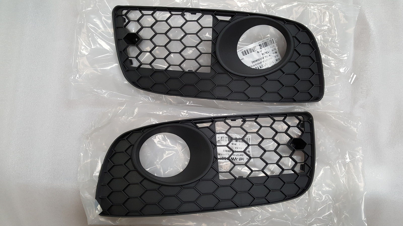 VW GOLF 5 GTI BRAND NEW FOGLIGHTS GRILLES FOR SALE PRICE:R195 each