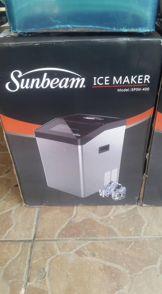 Industrial ice maker