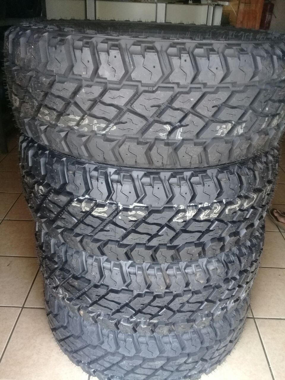 265/65/17 Discovery Cooper S/T Max tyres R15500