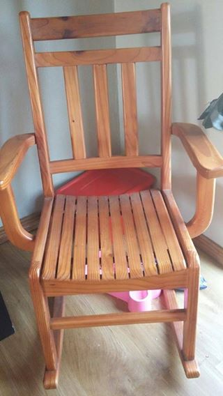 Rocking chair Perfect for baby room.