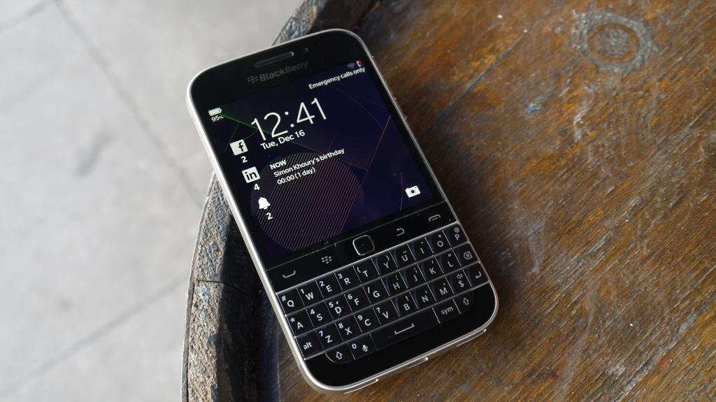 **BARGAIN** Blackberry CLASSIC Q20 **neat** TO SELL/SWOP
