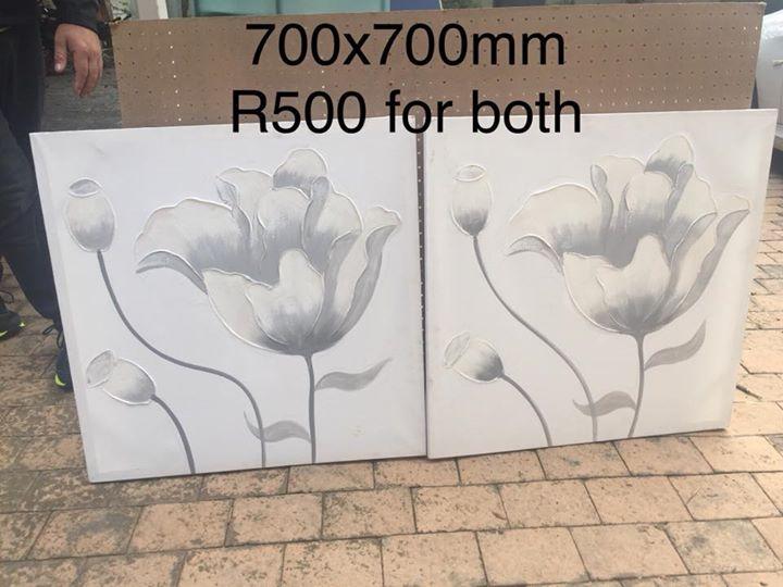 2 Flower canvasses