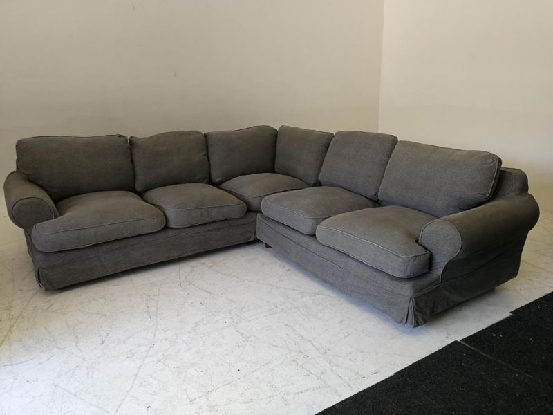 L-shaped coricraft couch.Chocolate brown.Excellent condition