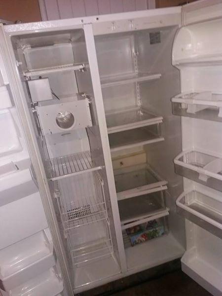 Double door whirlpool fridge/freezer