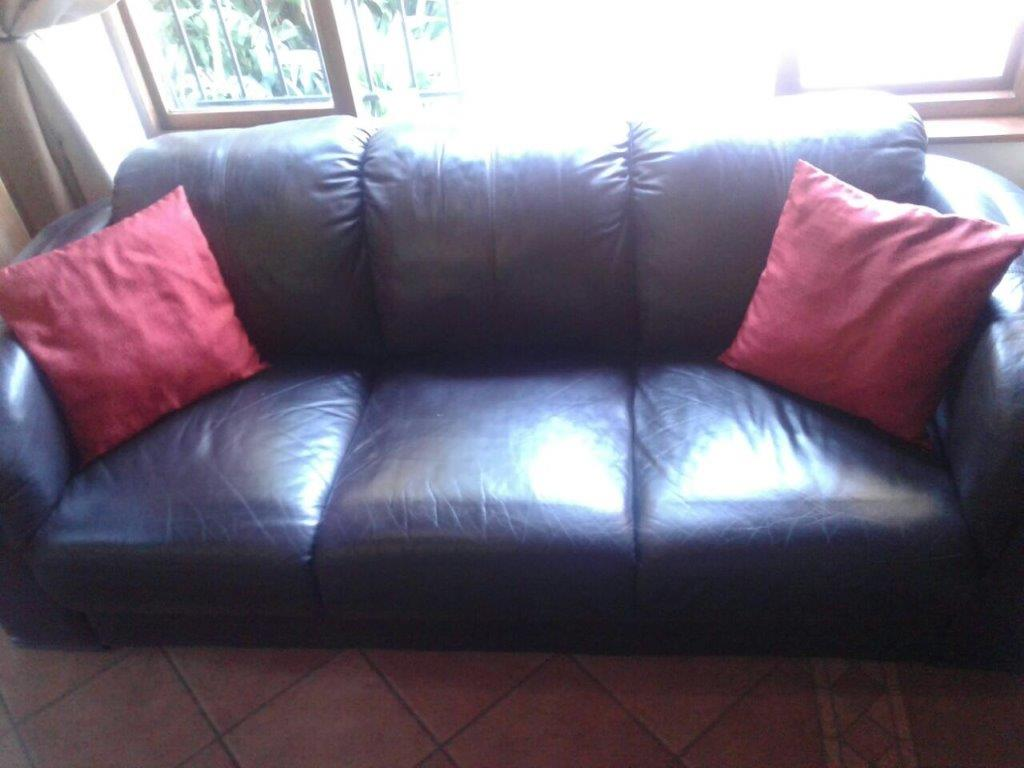 LEATHER (GENUINE) COUCH. DARK BROWN FULL HIDE LEATHER COUCH 3 DIV