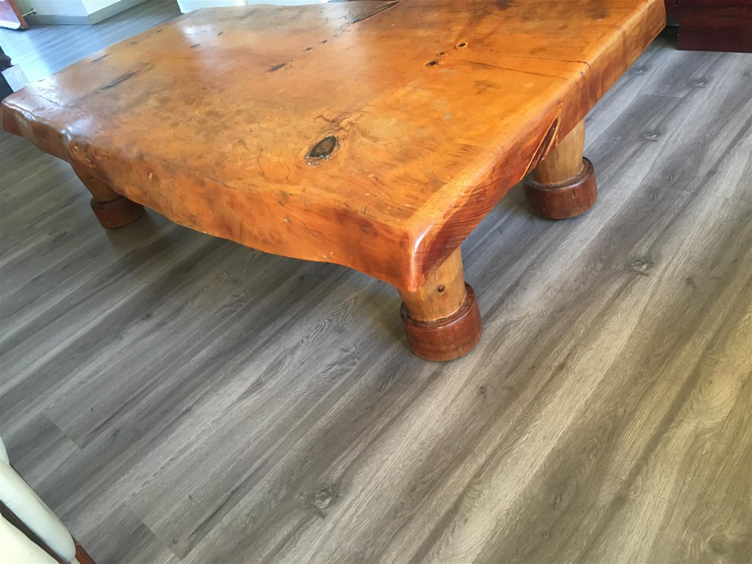 EXQUISTE JACARANDA WOOD COFFEE TABLE FOR SALE