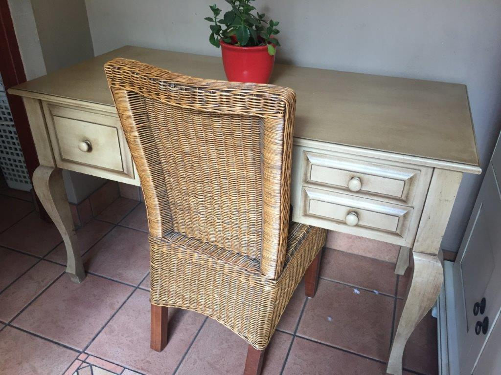 DRESSING/HALL TABLE WITH WICKER CHAIR. OSIERS. STUNNING Style