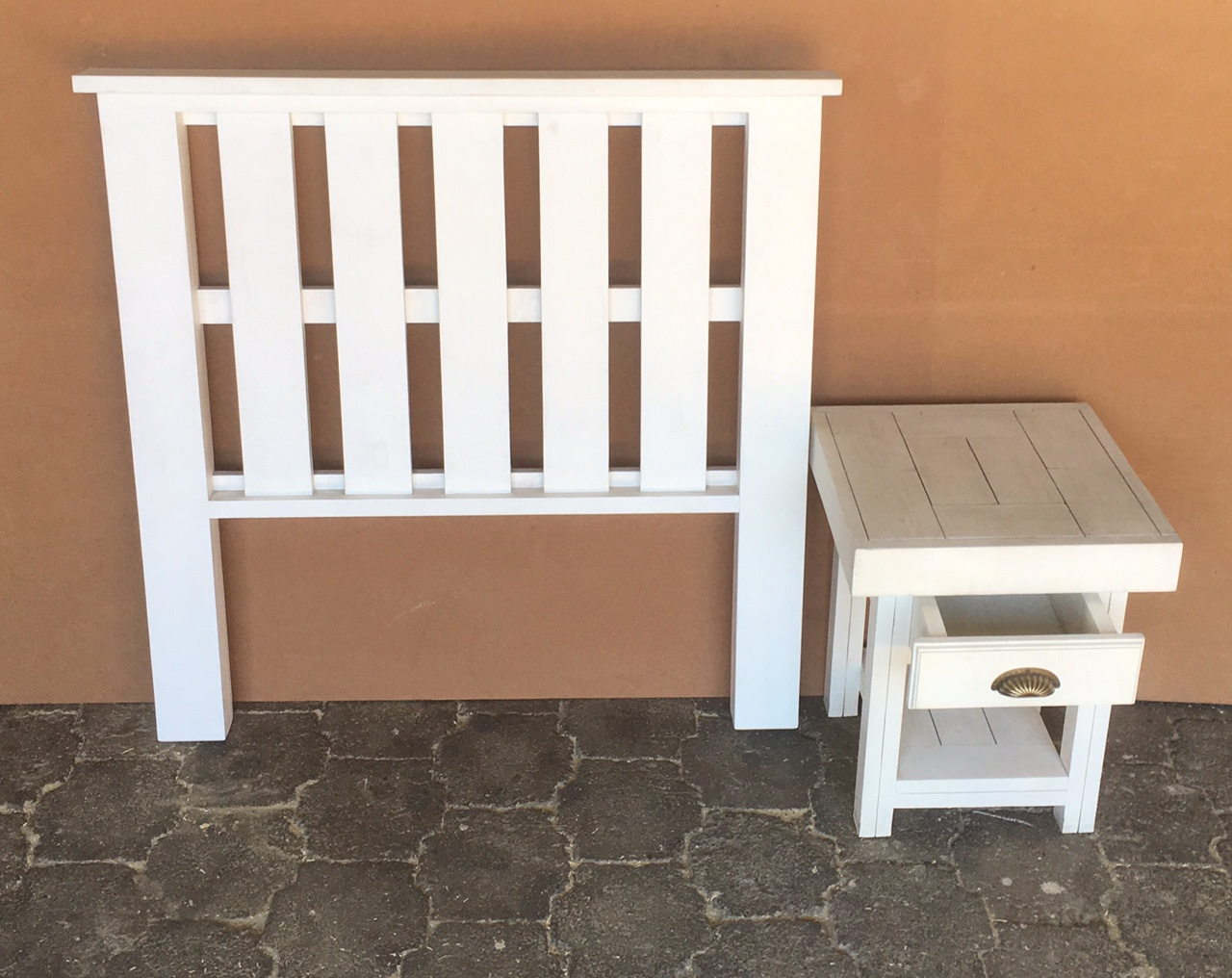 Headboard Farmhouse series Three quarter bed set White washed
