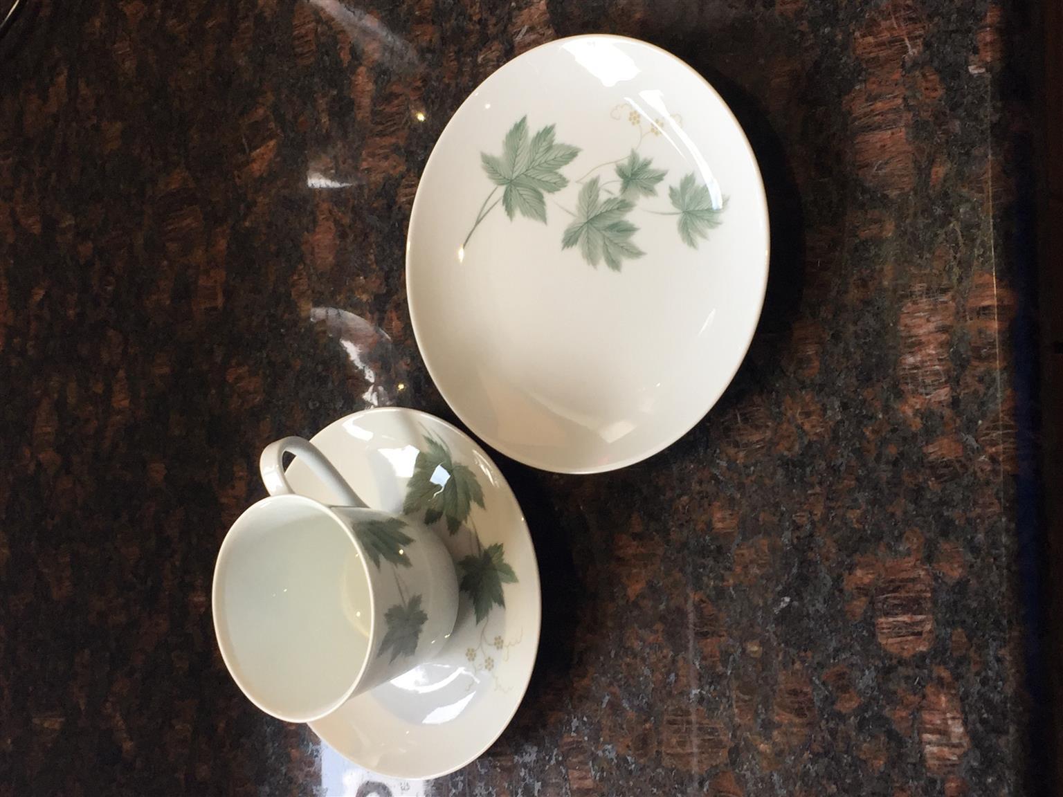 Noritake Tea cups & saucers plus side plates