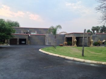 14x Houses and 2x Properties and Much more