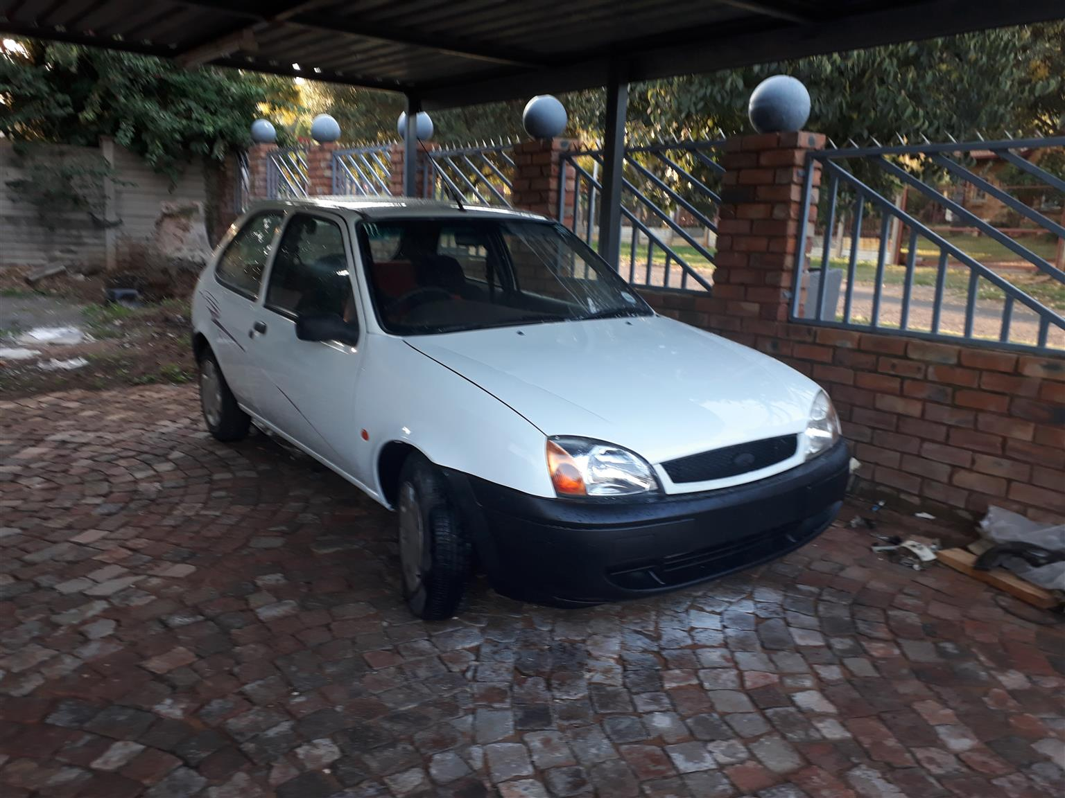 2000 ford fiesta 1 4i 3 door trend