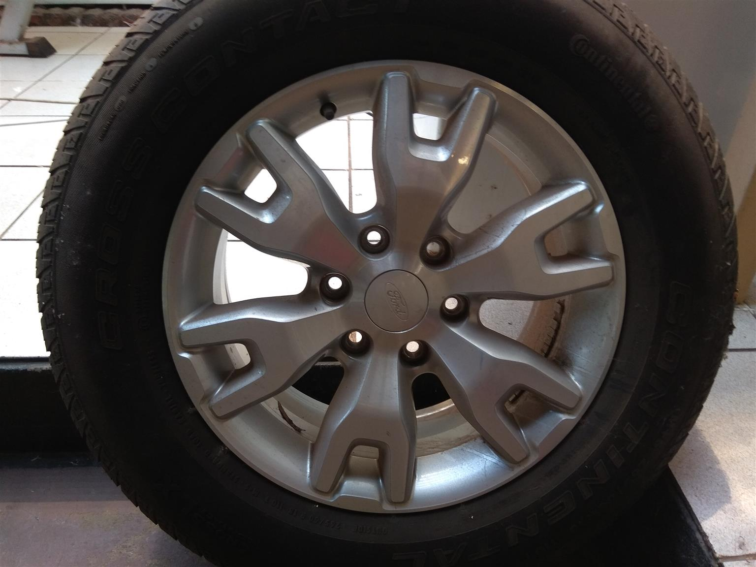 "18"" Wildtrak rims/tyres complete set"