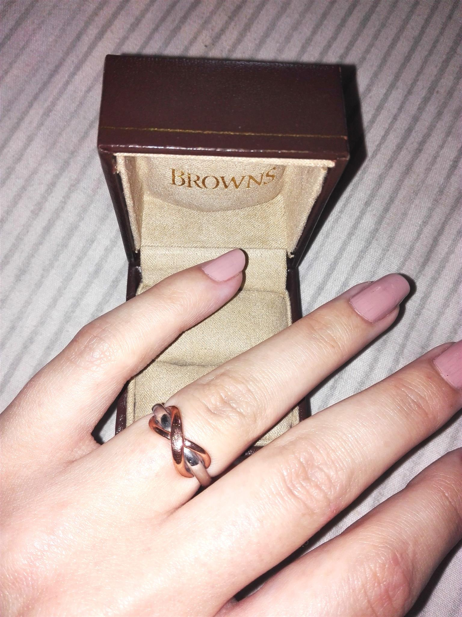 9ct Two Toned Gold Infinity Ring