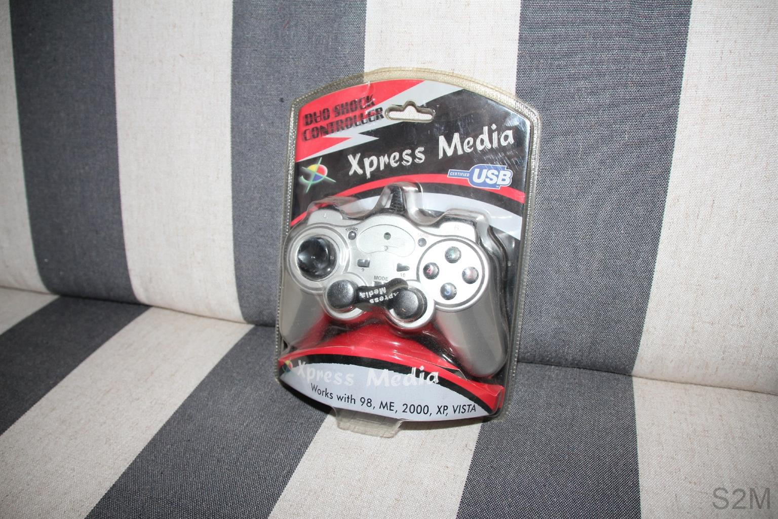 Xpress Media Duo Shock USB PC game controllers x 4.