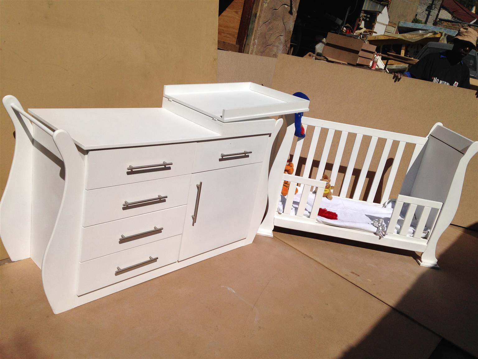 Syringa Baby Cot and Compactum-R 4999,00