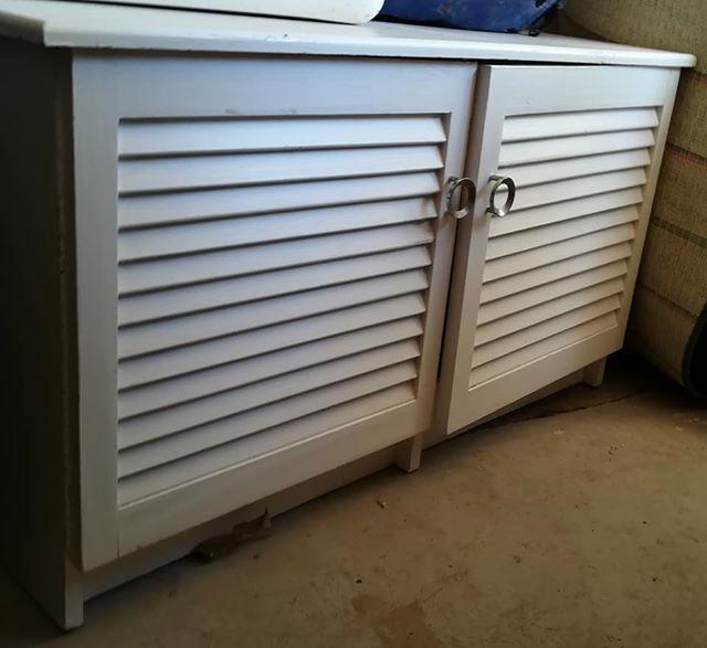 2 deur wit hout badkamer kassie | Junk Mail