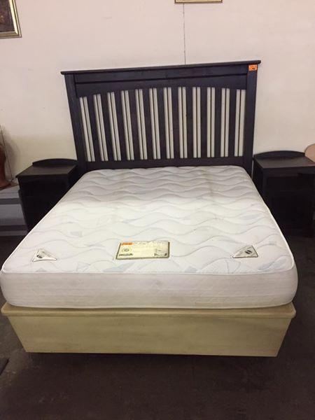 Cloud 9 Body-flex mattress with wooden storage base