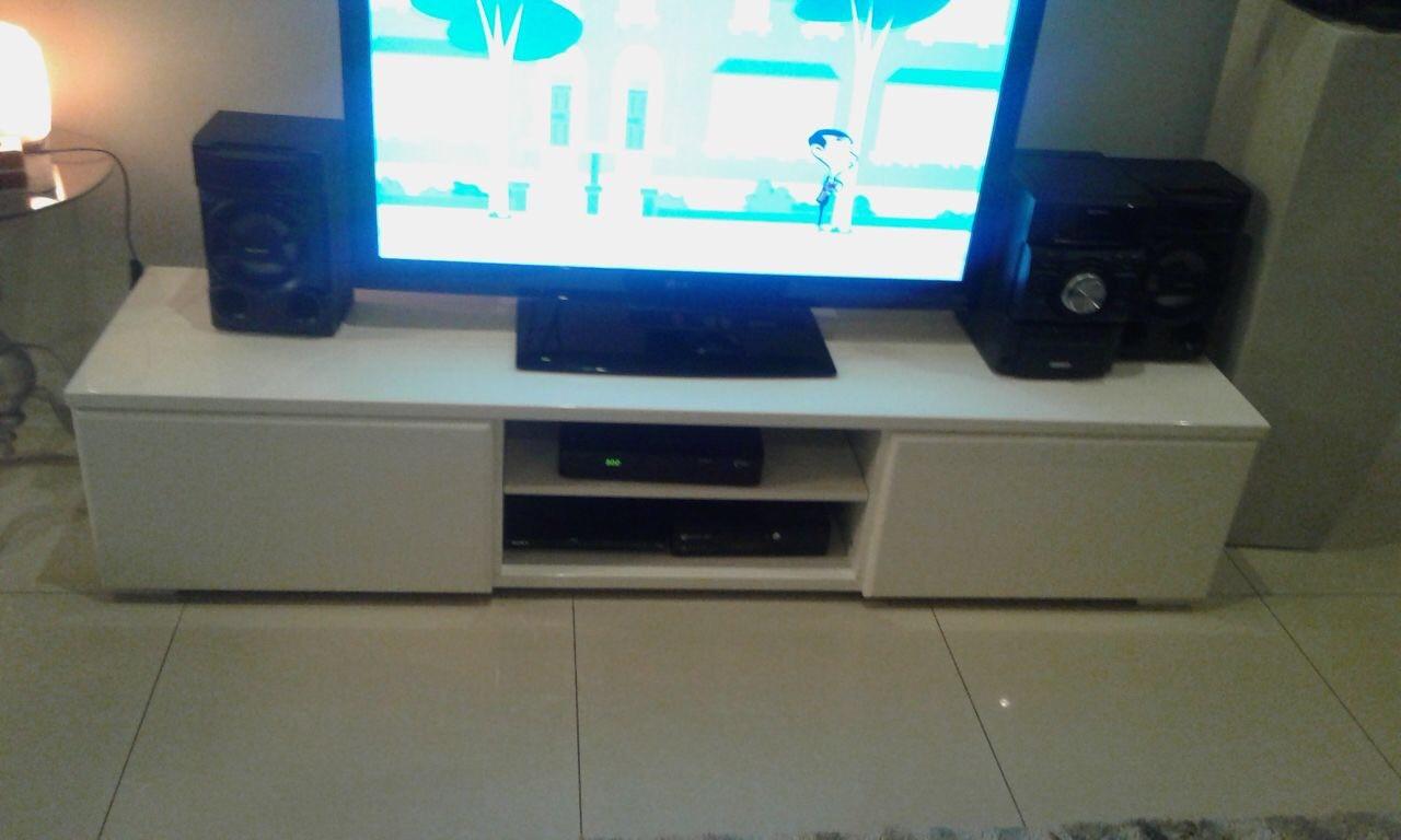 Excellent condition TV unit