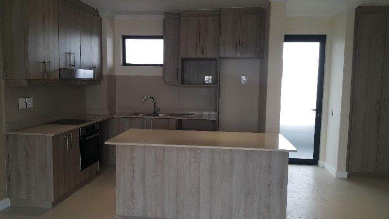 Luxury 2 Bedroom Apartment to rent in Sitari Country Estate, Somerset West