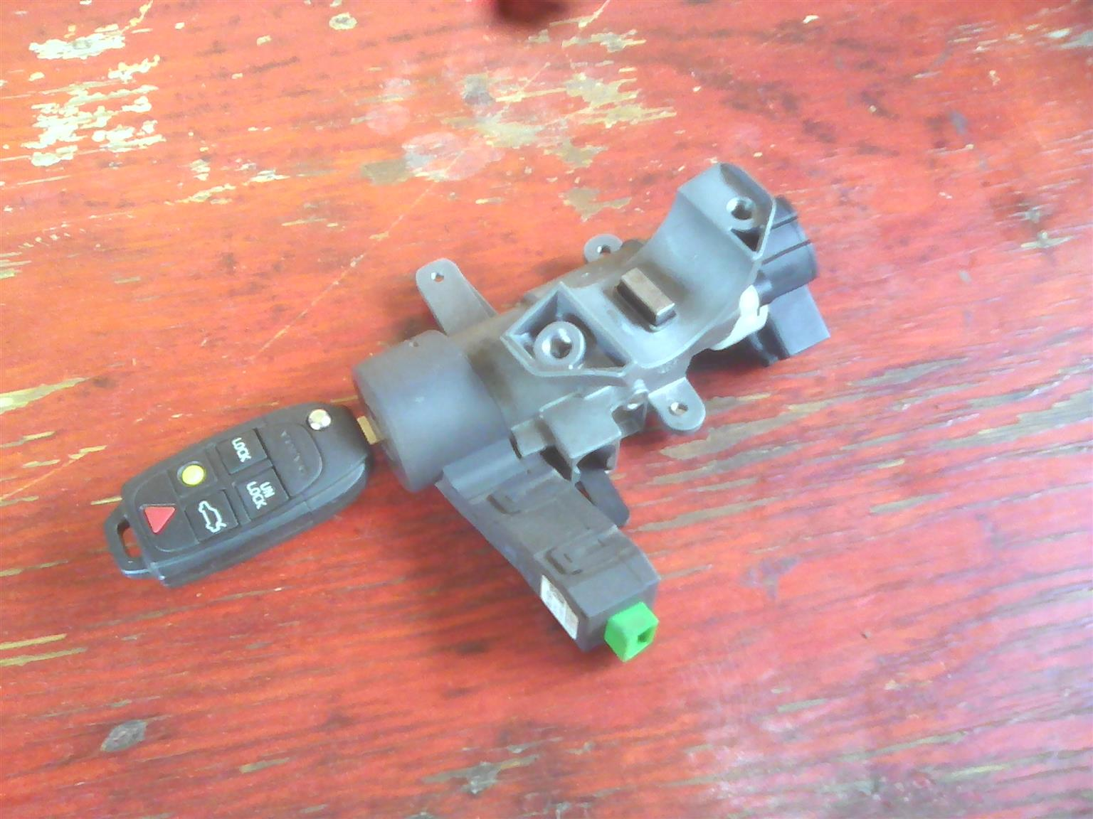 Volvo XC90 Ignition Barrel and Key - Manual AWD Stripping for spares parts